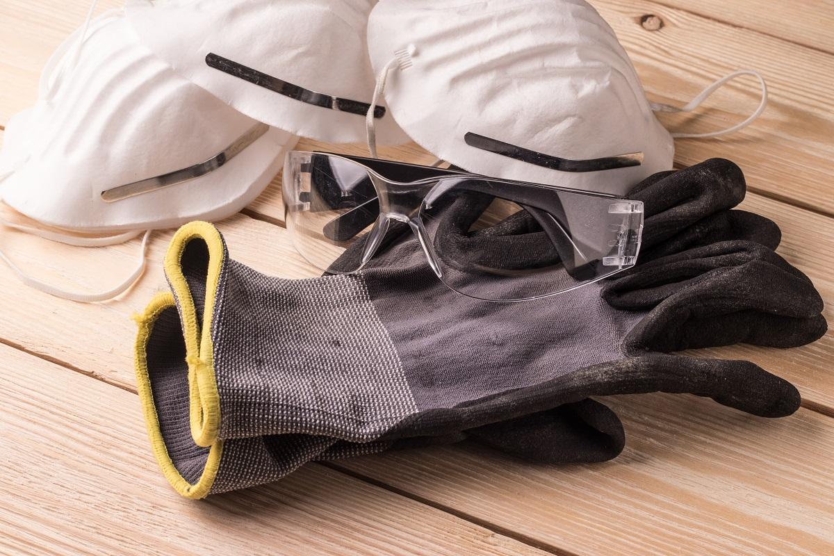dust masks, goggles and protective gloves