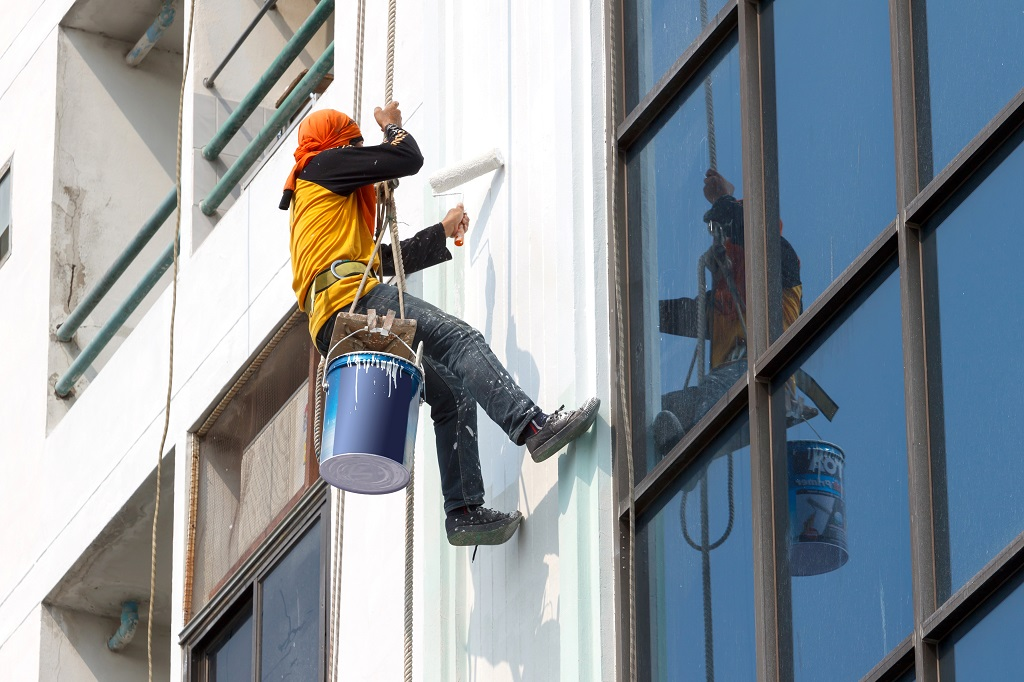 Why Hire Professional Hotel & Motel Painters
