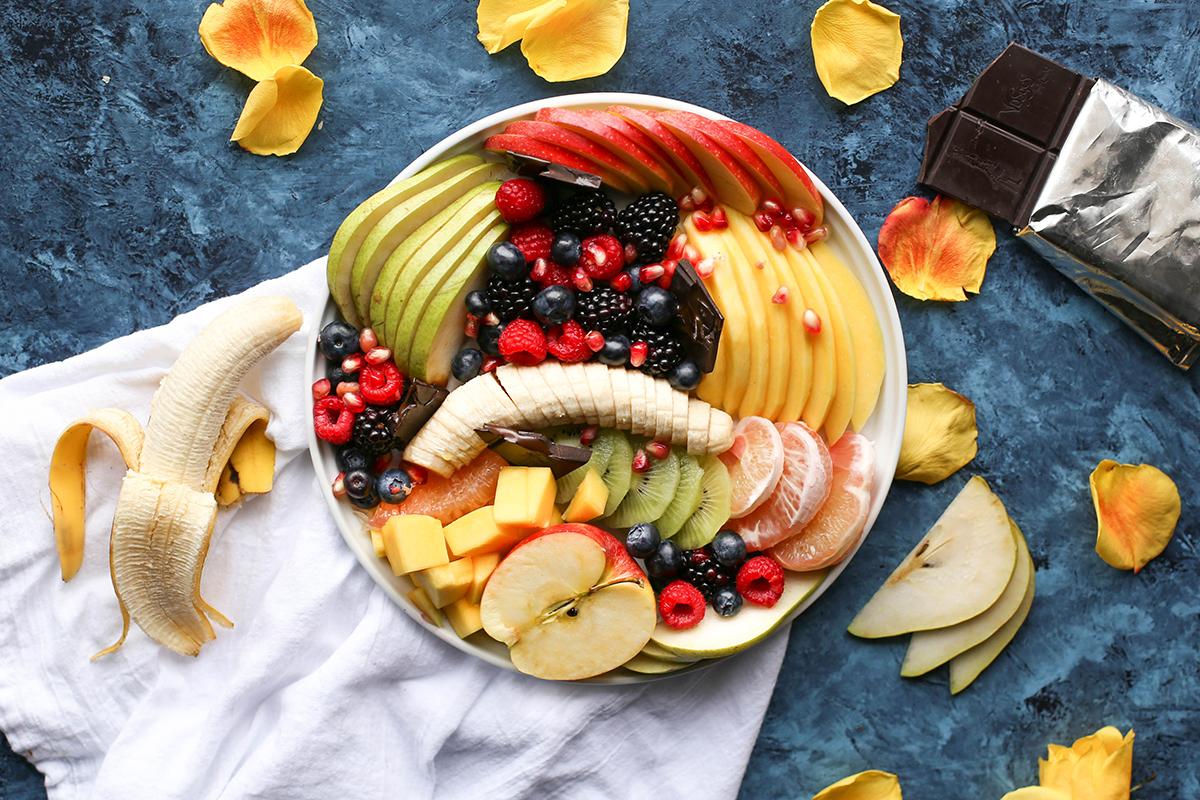 brenda-godinez-228181-unsplash-crop-sm|national-nutrition-month|family-eating|national nutrition month|brooke-lark-158017-unsplash|brenda-godinez-228181-unsplash-sm