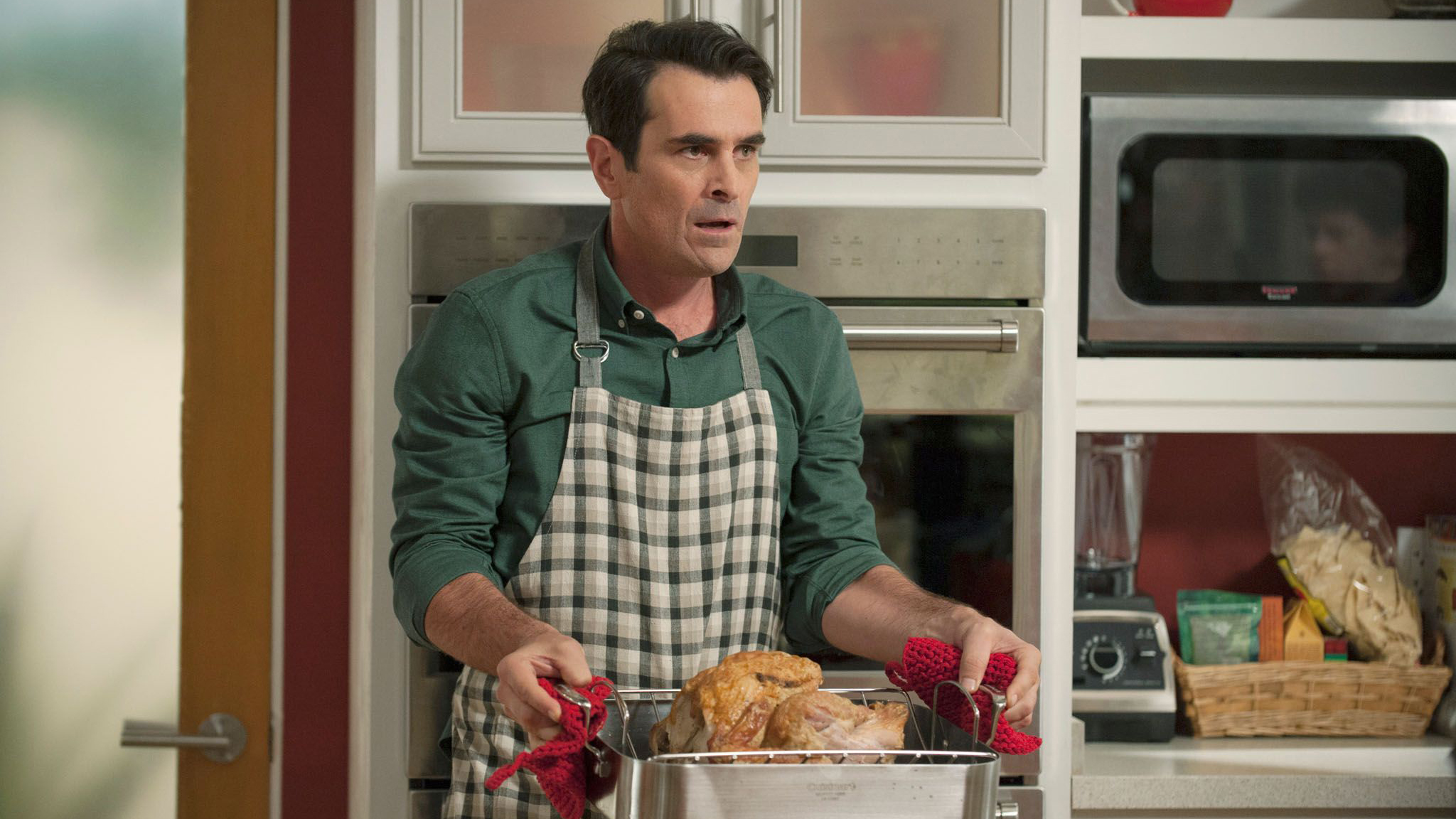 e294e500-66b5-11e4-8e22-4d84734519cf_abc-modern-family-608-three-turkeys-0389
