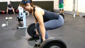 Girl-Deadlifting