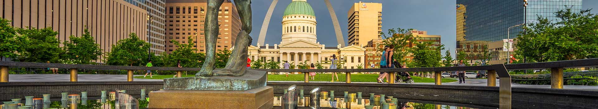 There are many great places to photograph around the St. Louis area, featuring a wide variety of potential photos, from breathtaking cityscapes to beautiful landscapes.