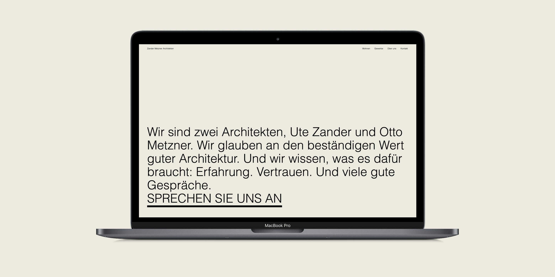 Begrüßungstext von Zander Metzner Architekten auf beigem Hintergrund