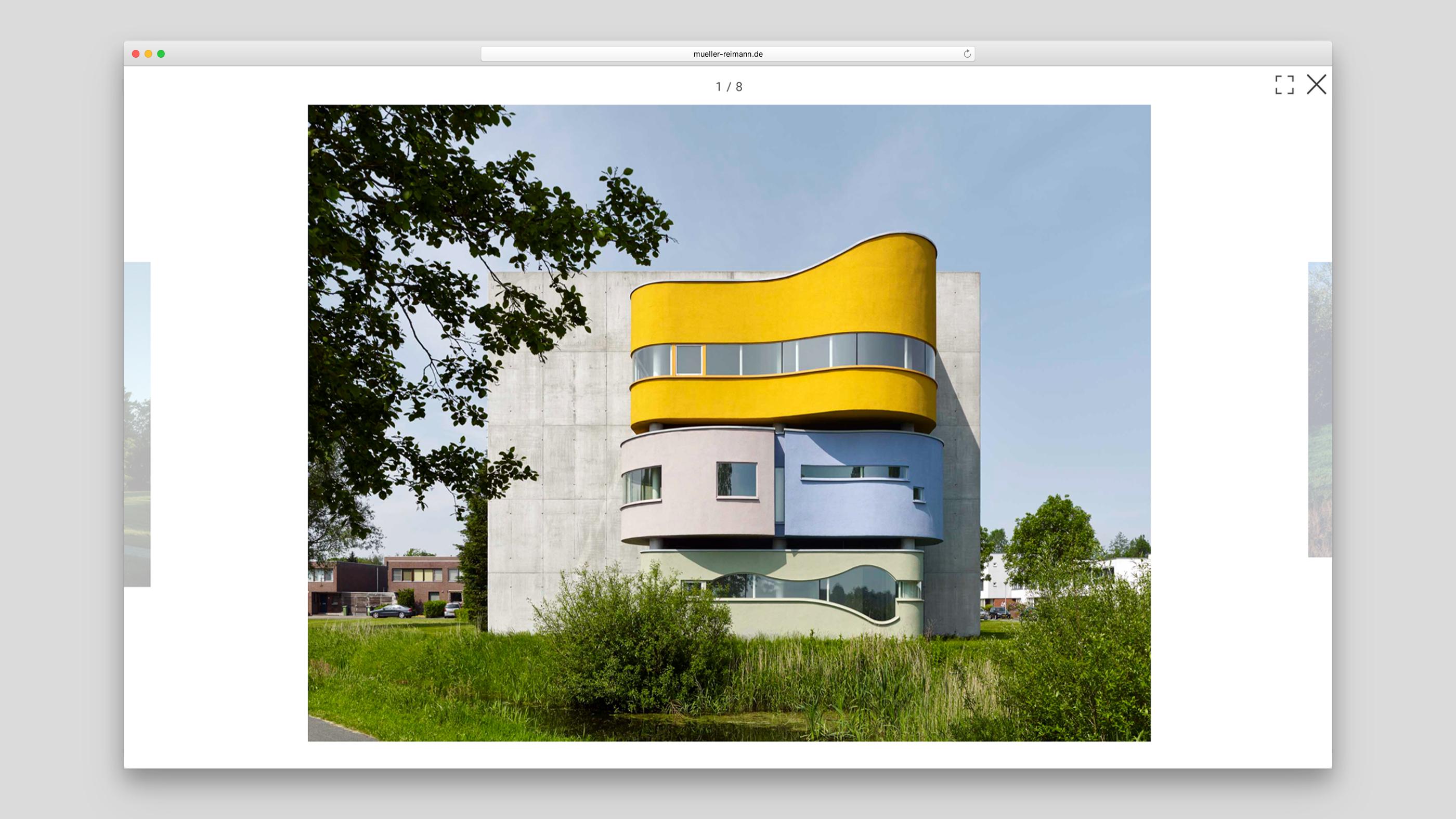 Ansicht des Gebäudes John Hejduks Wall House in Groningen