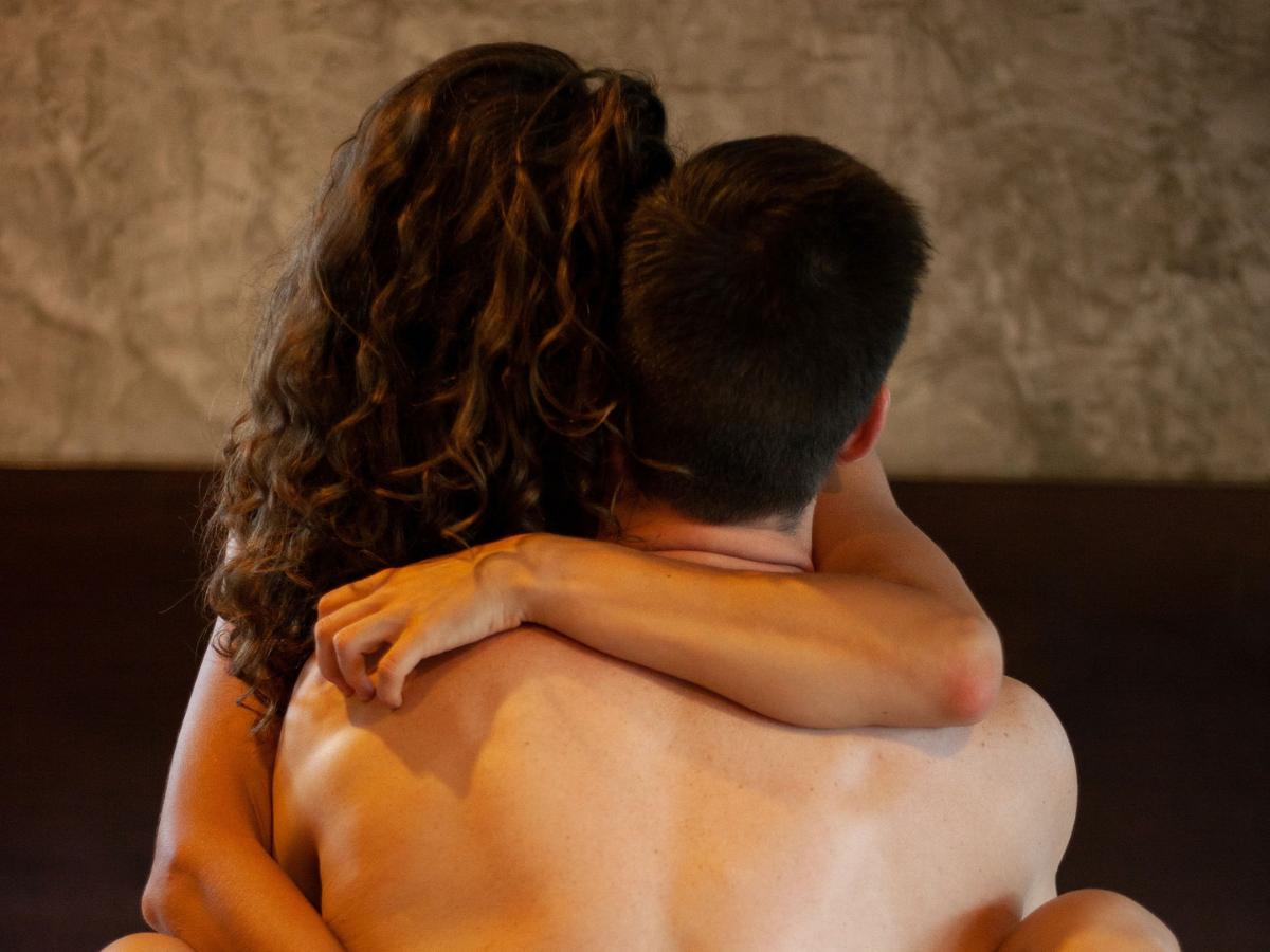 Illicit Online Dating