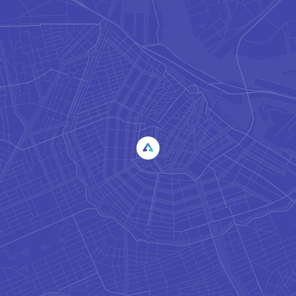 Paarse kaart van Amsterdam met Sqales logo op locatie