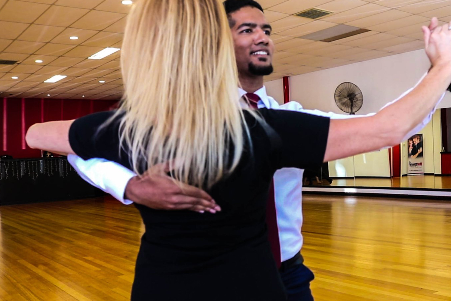 Learn to dance ballroom & new vogue styles