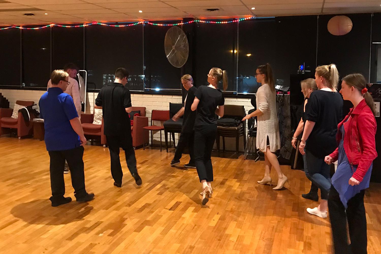 Adult beginners ballroom dance classes