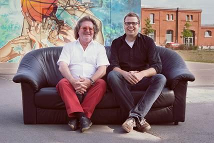 Witt und Hanauer auf dem Sofa