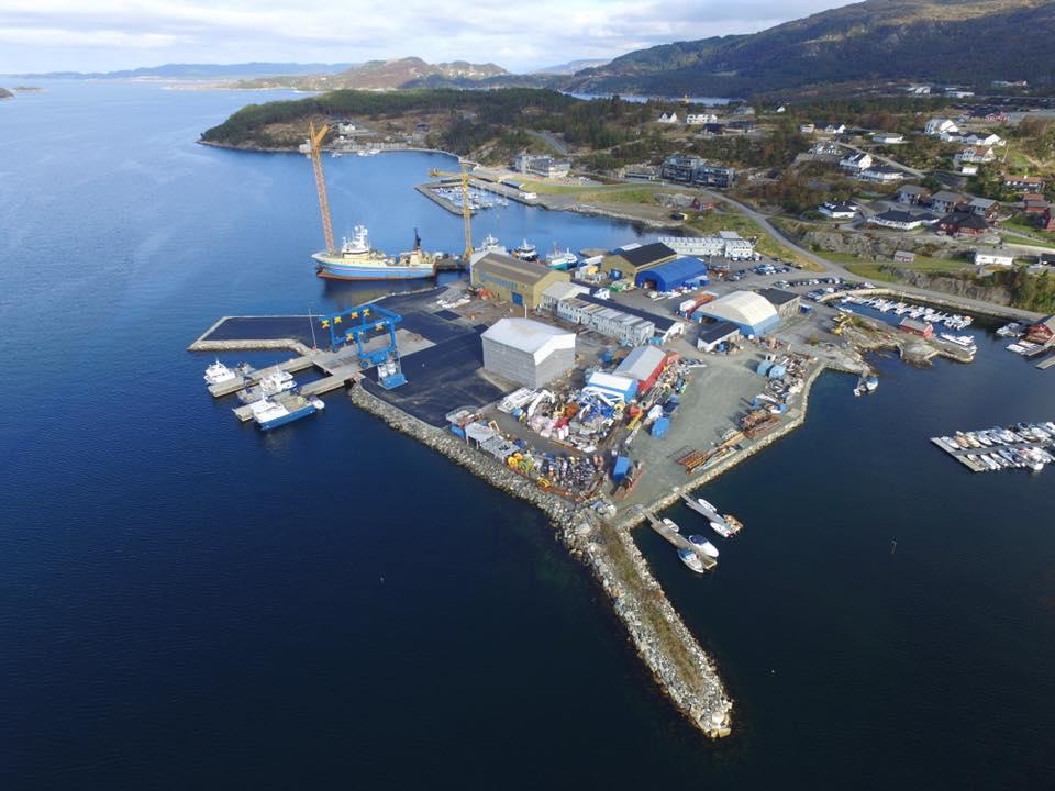 Pcs Construction har skrevet kontrakt med Fitjar Mek. på overflatebehandling av 6 stk. service båter