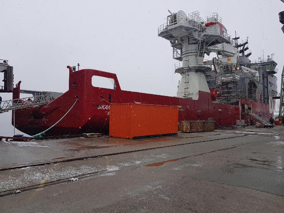 Pcs Construction har fått oppdraget å overflatebehandle BN 834 på Vard Langsten