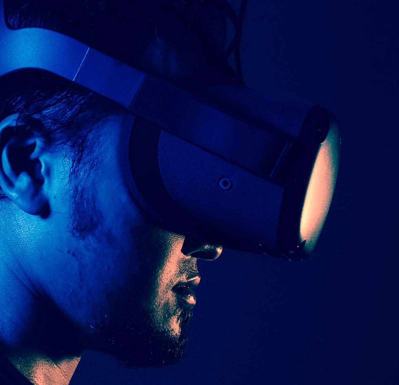 digital storytelling man in vr glasses