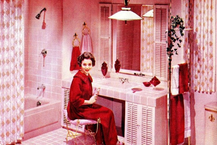 Pink bathroom from the 1950s (source: Clickamericana)