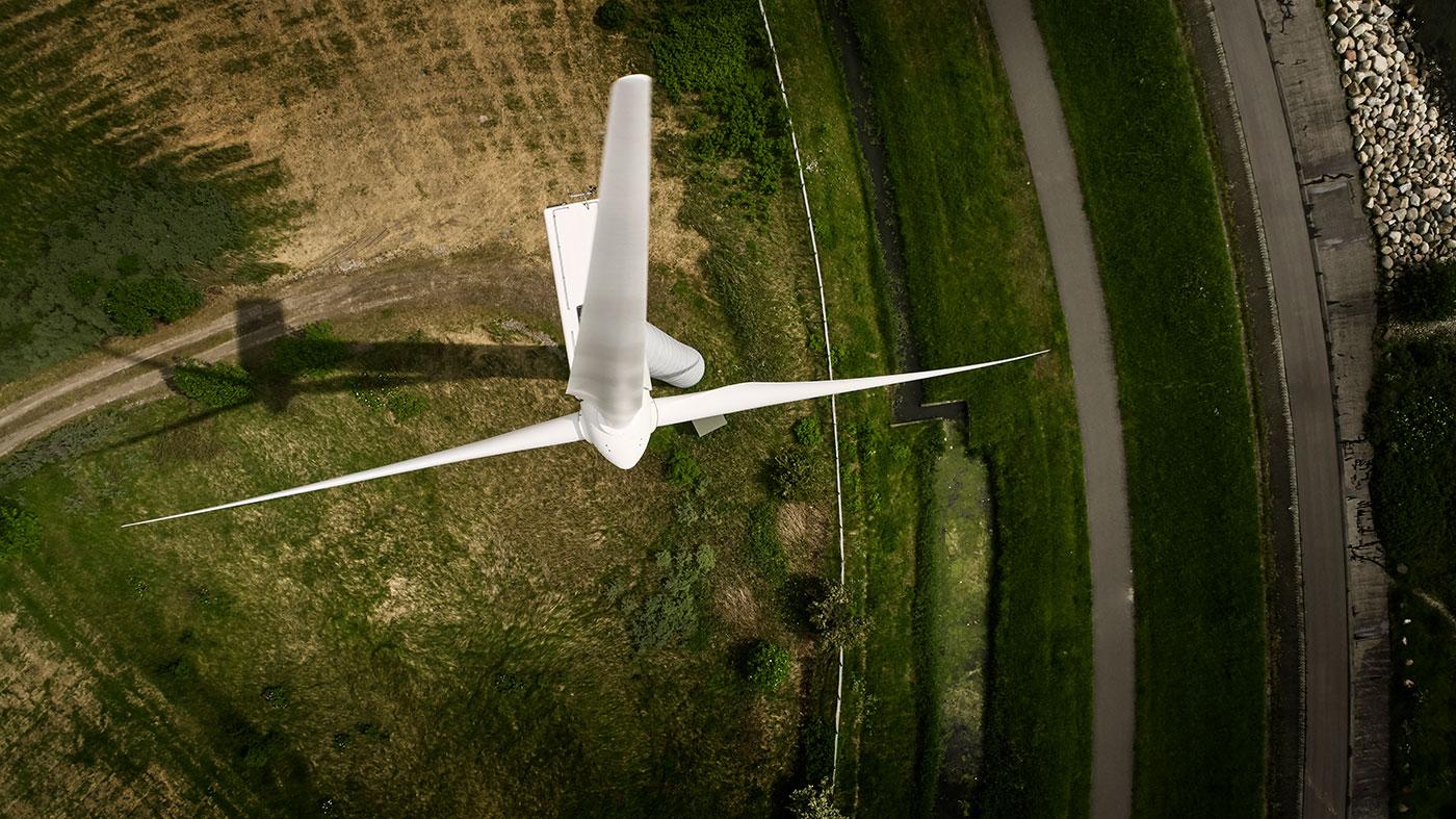 Luftfoto af vindmølle