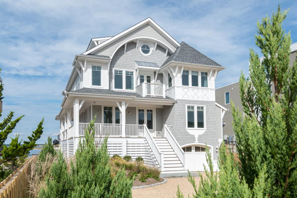 What Are The Benefits Of Having A Property Management Company For My Home In The Hamptons?