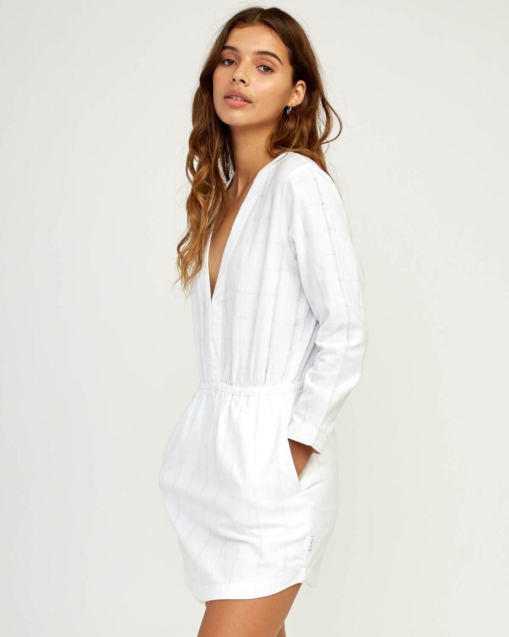 RVCA Streetwear 4