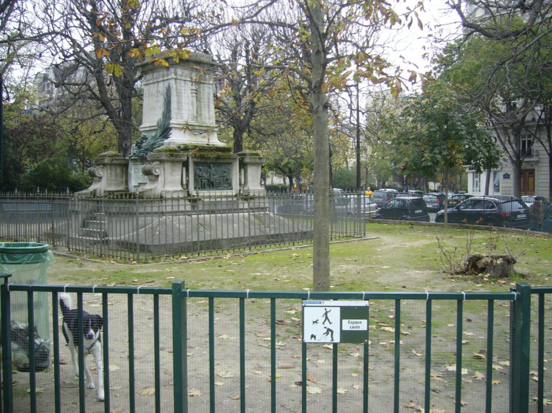 Les 10 quartiers où habiter à Paris quand on a un chien