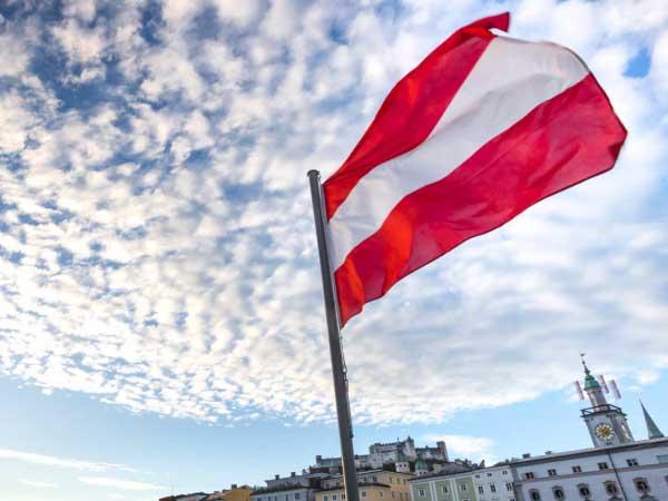 UniBieger aus Österreich Flagge