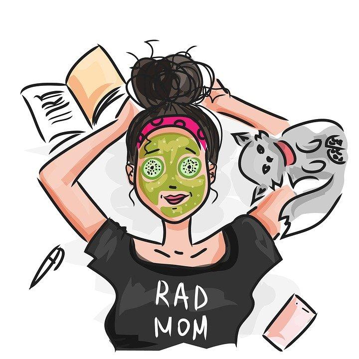 cartoon image of busy mom tshirt reads RAD MOM