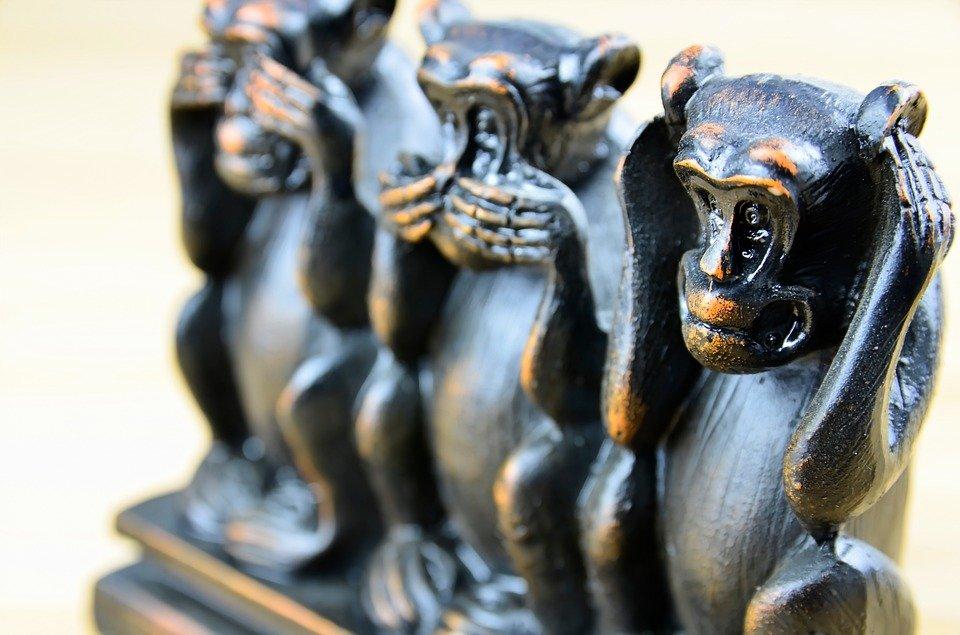 statue sculpture of three wise monkeys who see no evil, speak no evil, hear no evil