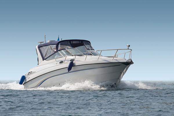 Båt med kalesje