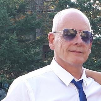 Headshot of Greg Quinton