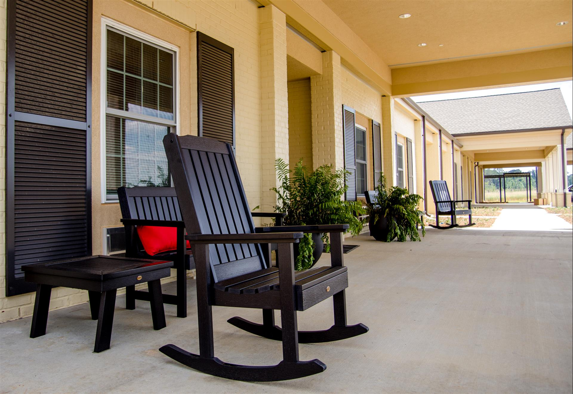 5 Refreshing Decor Ideas for Your Assisted Living Apartment