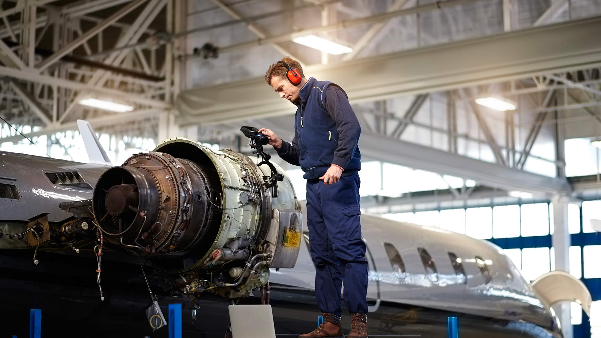 Our advanced production methods and technologies can reduce component weight while minimising assembly steps, streamlining production while delivering exceptional part and material properties to get your programme in the air.