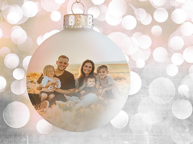 Seasonal Decorations & Gifts