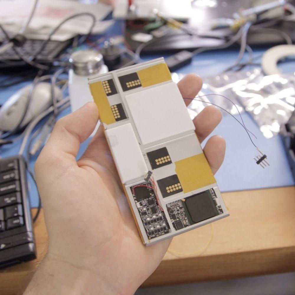 Phonebloks prototype