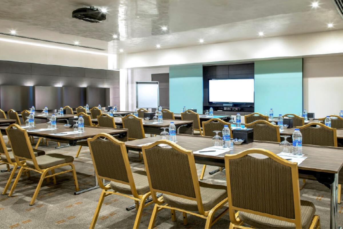 Art Five Meeting Room