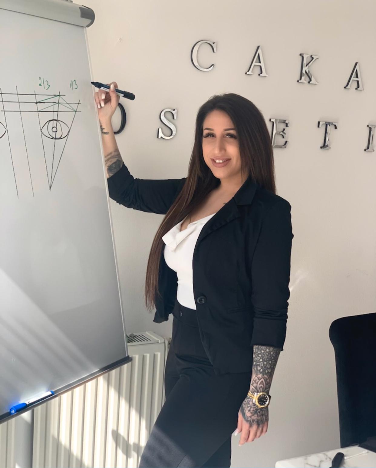 Caka Cosmetic Mannheim Kosmetikanwendungen und Kosmetikschulungen Kosmetikschule Kosmetikfachschule Nummer 1 in Deutschland