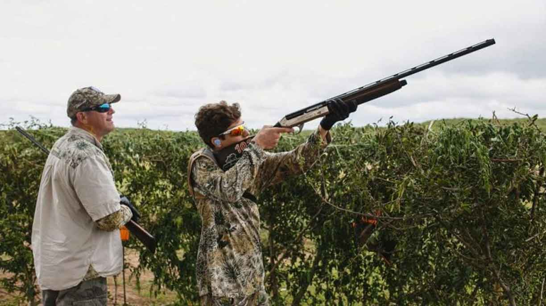 camouflaged dove hunters in cordoba
