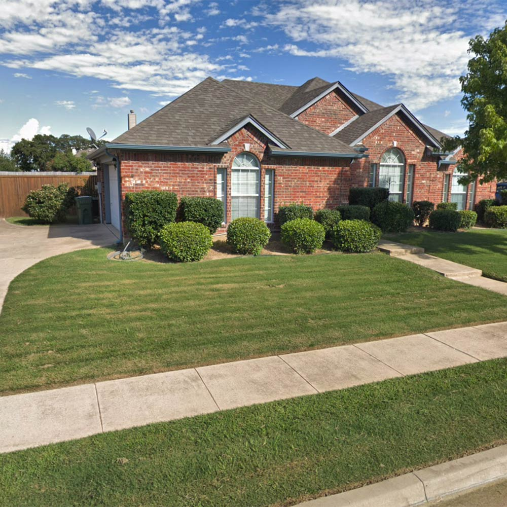 Lawn care services in Grand Prairie, TX