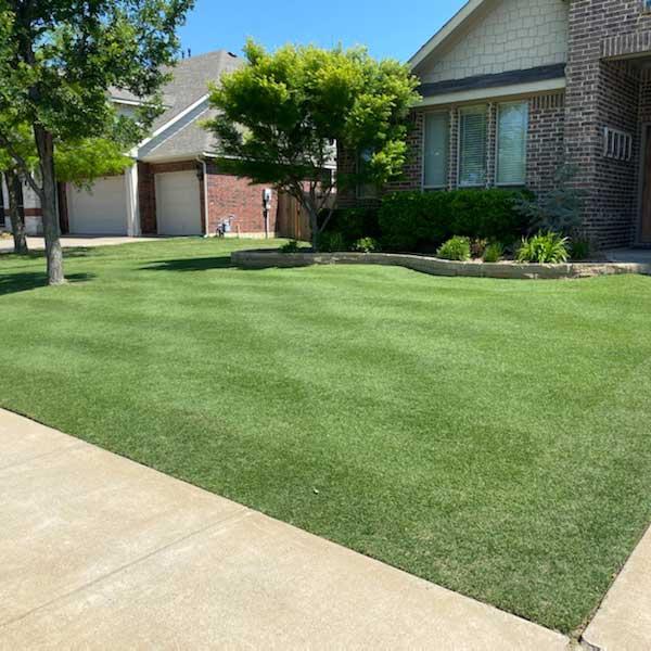 Lawn care in Grand Prairie, TX