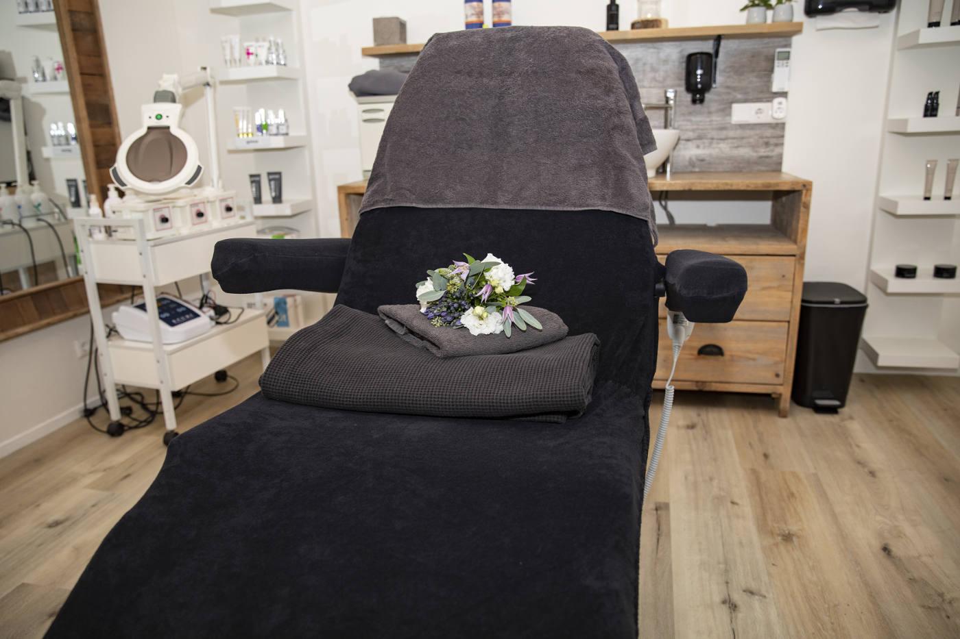 Foto van stoel in salon 1 Stralend Hengelo