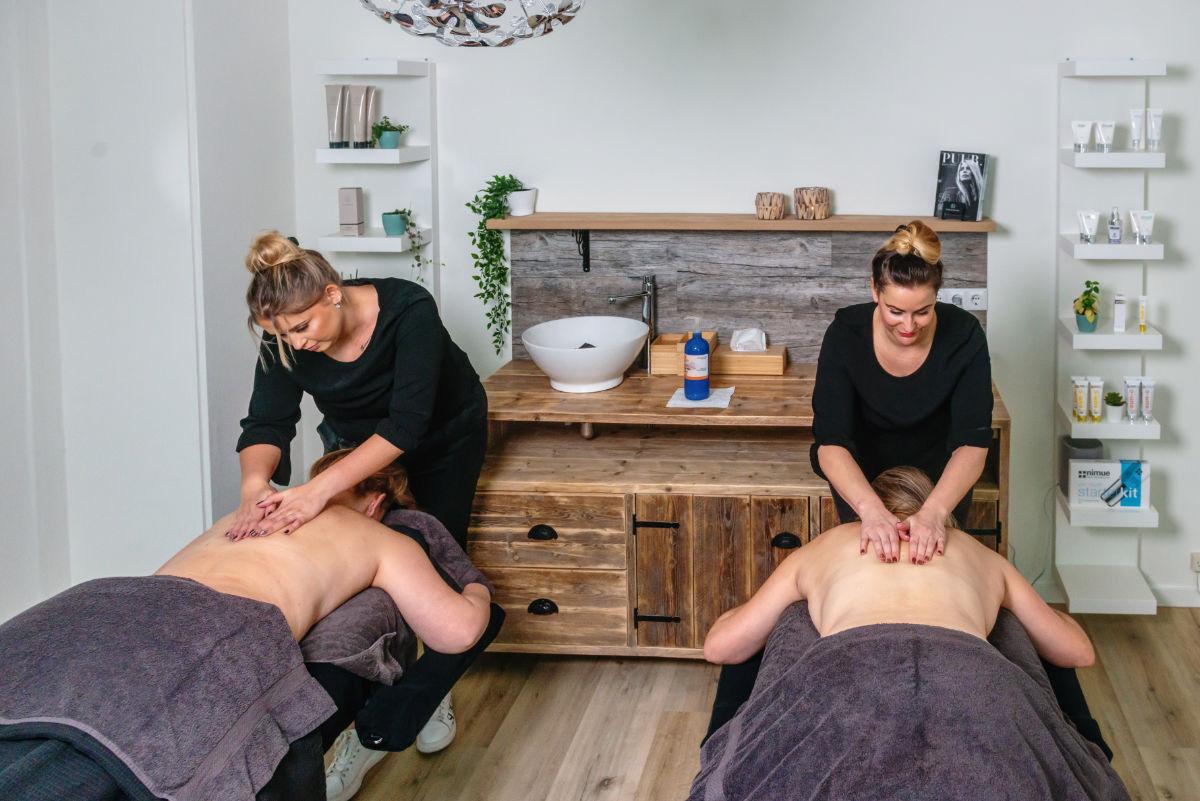 Een afbeelding met een duo behandeling bij Stralend PMU Hengelo