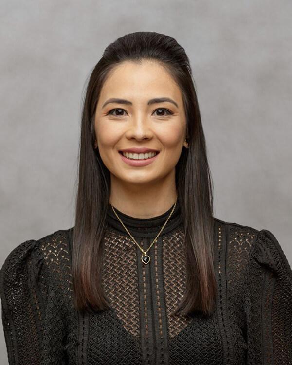 Dr. Kesia Asami