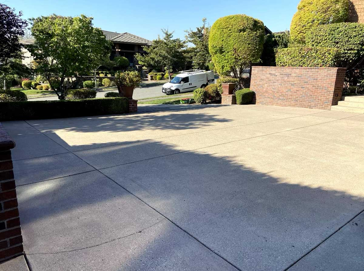 A dry and clean driveway.