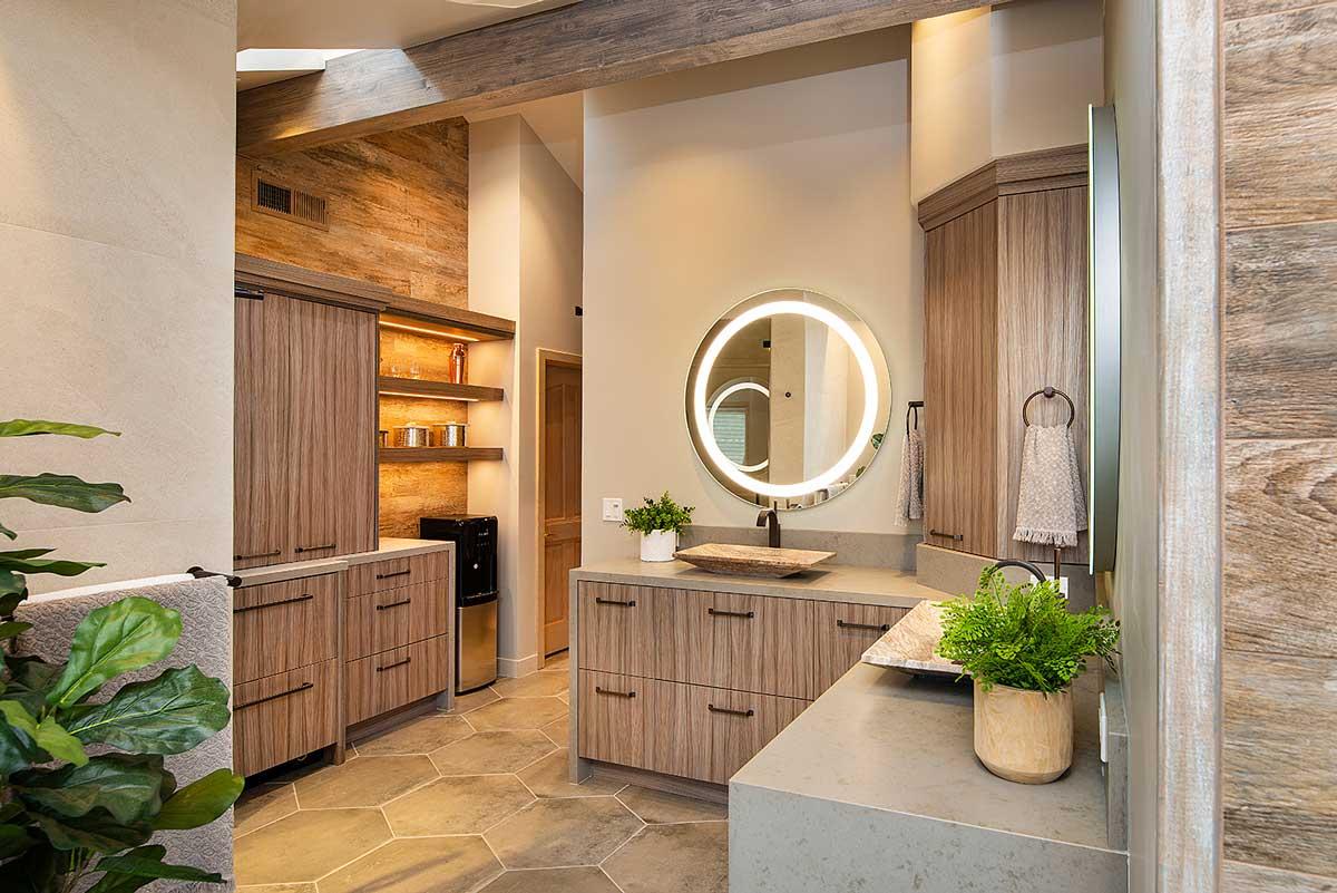 Natural Master Bathroom Design