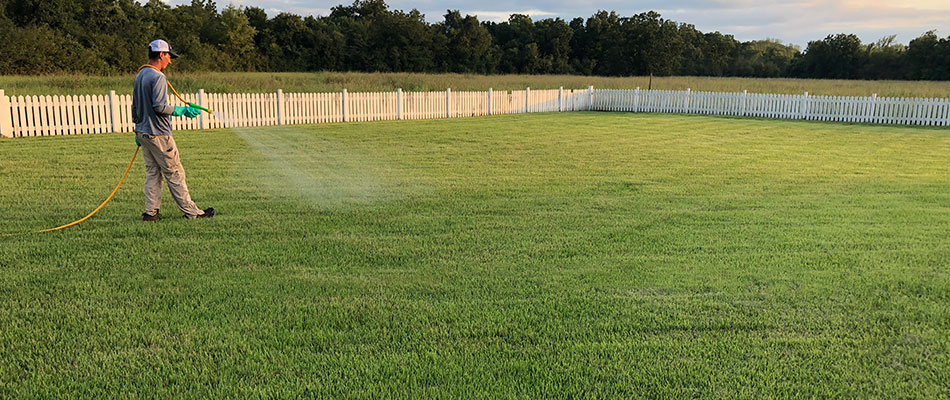Greener LawnScapes properly treating a yard in Bryan, TX.
