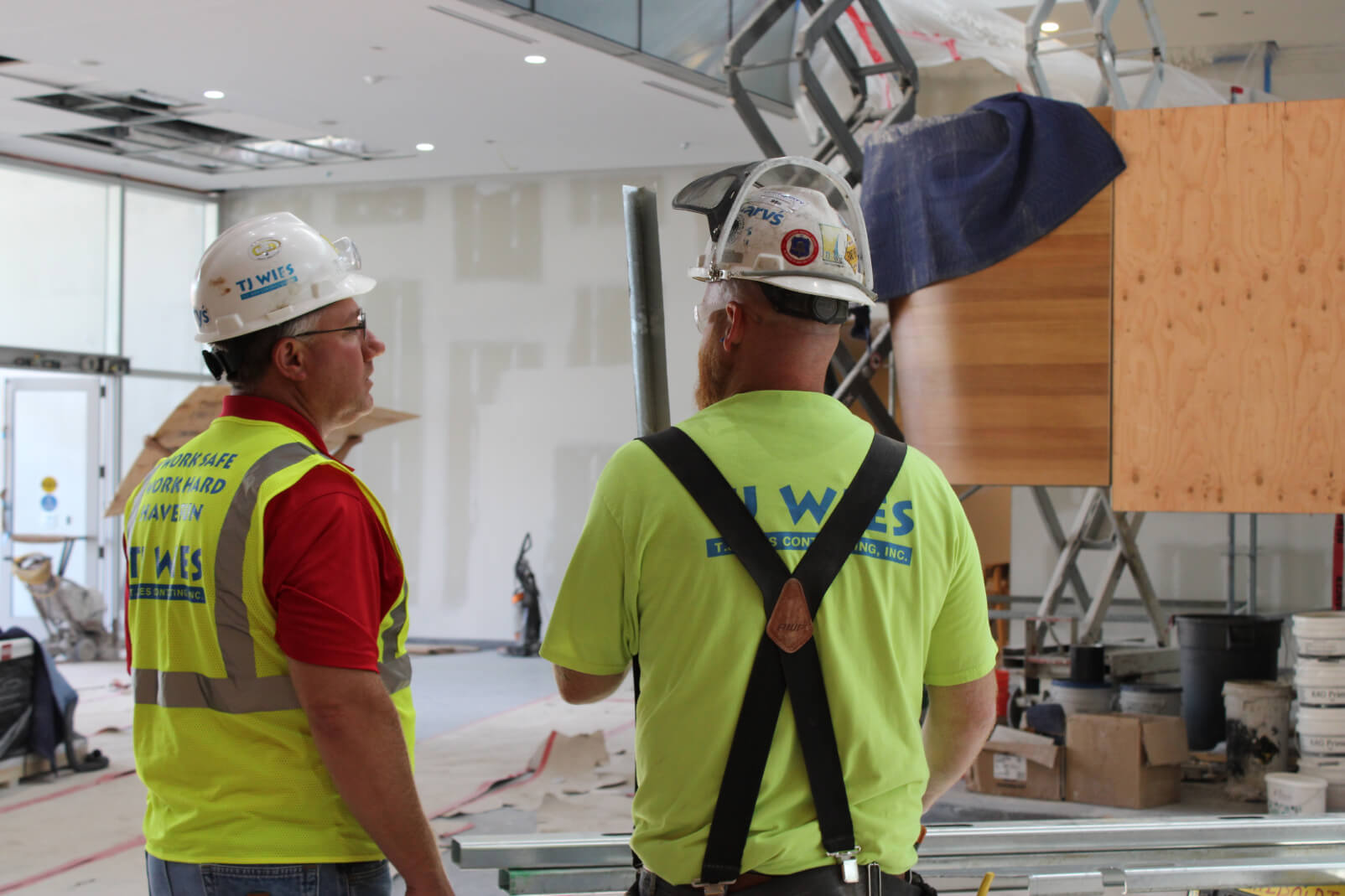 Field Supervision With award winning experience and commitment to an injury free workplace, TJ Wies provides valuable construction supervision.