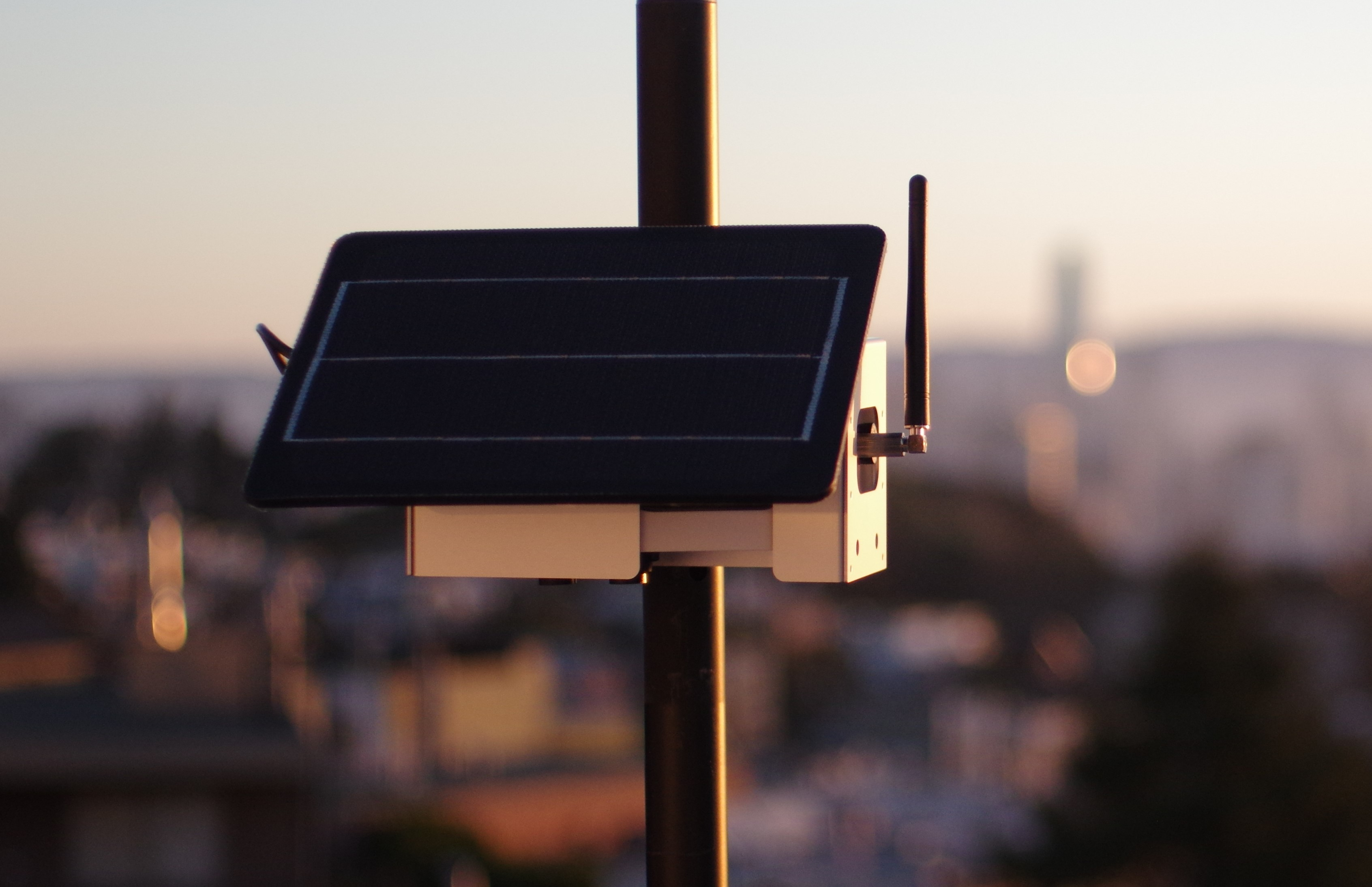 A Node-S air quality monitor installed on a pole to measure pollutants in the San Francisco air.