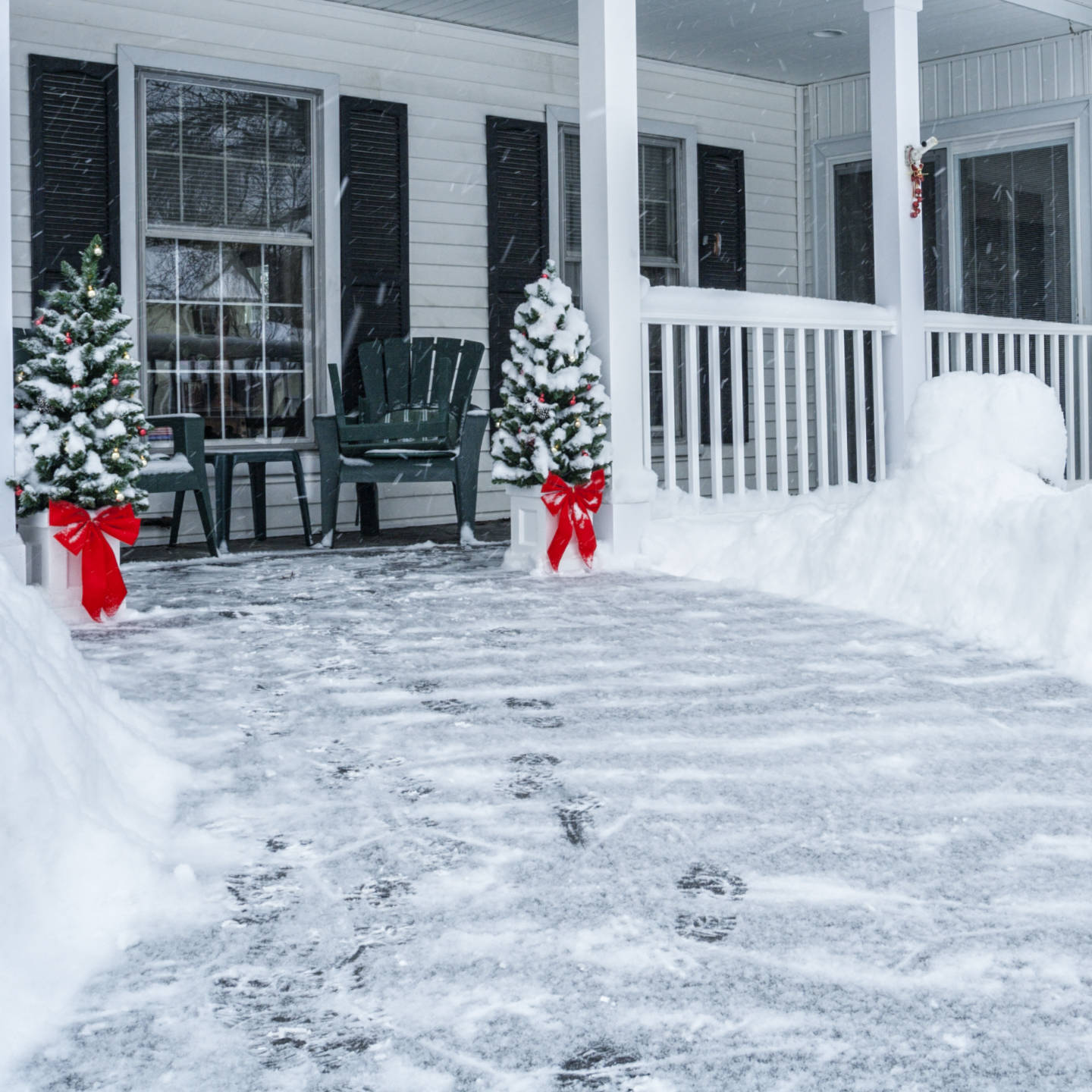 We are on the scene when the snow falls to help you save time and keep your walkways safe in Calgary. Sign-up for a flexible winter maintenance plan for the entire season, monthly, or to cover you during a vacation.