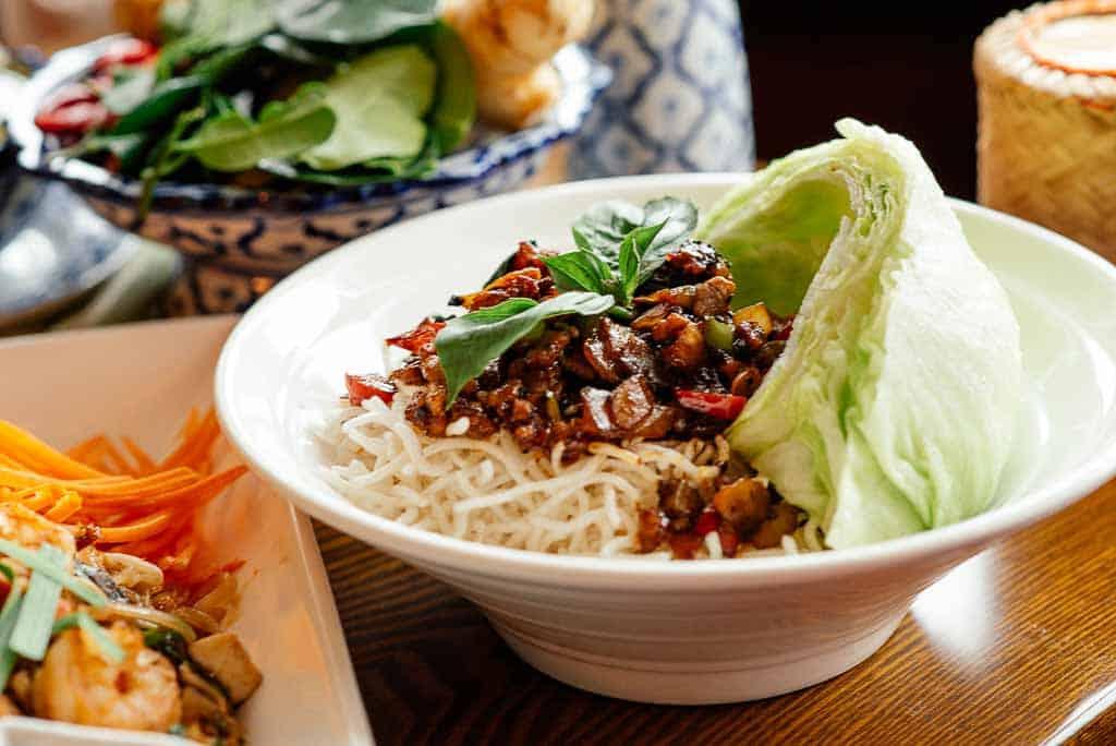 Mheung Sabai Thai (Lettuce Wrap)