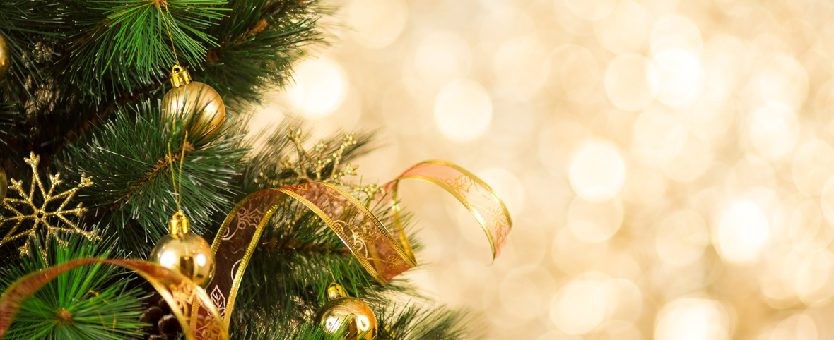 Six Christmas Tree Ideas for Your Assisted Living Apartment