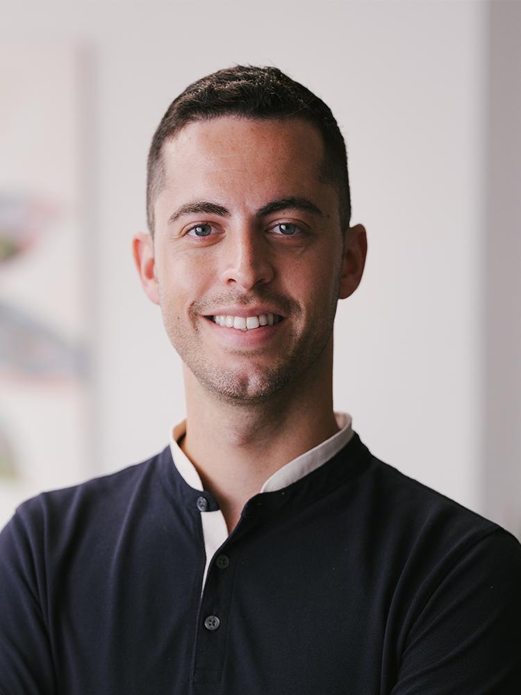 Headshot of Gustavo Melendez