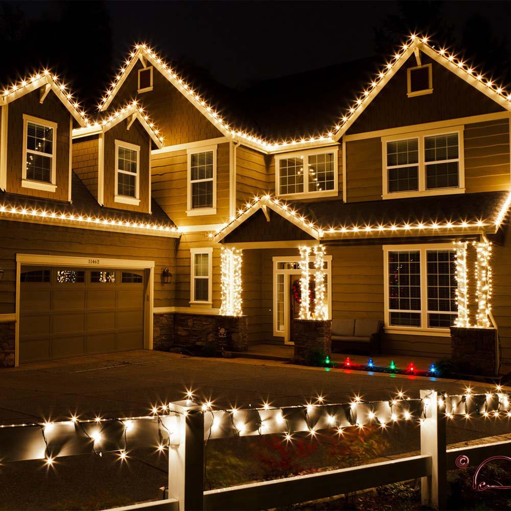 Christmas light installation in McKinney, TX by BluLadder