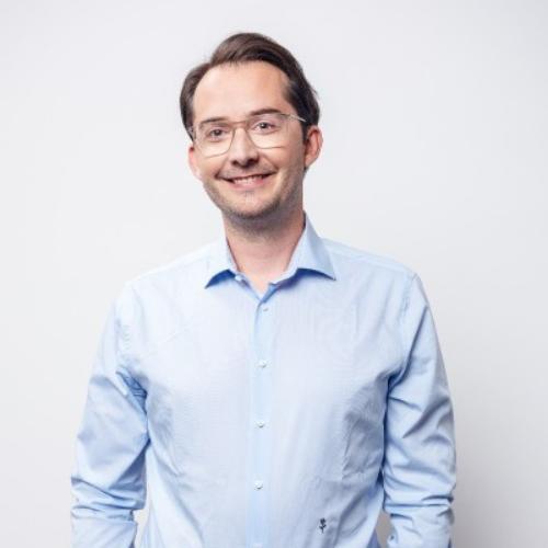 Dr. Christian Weiss