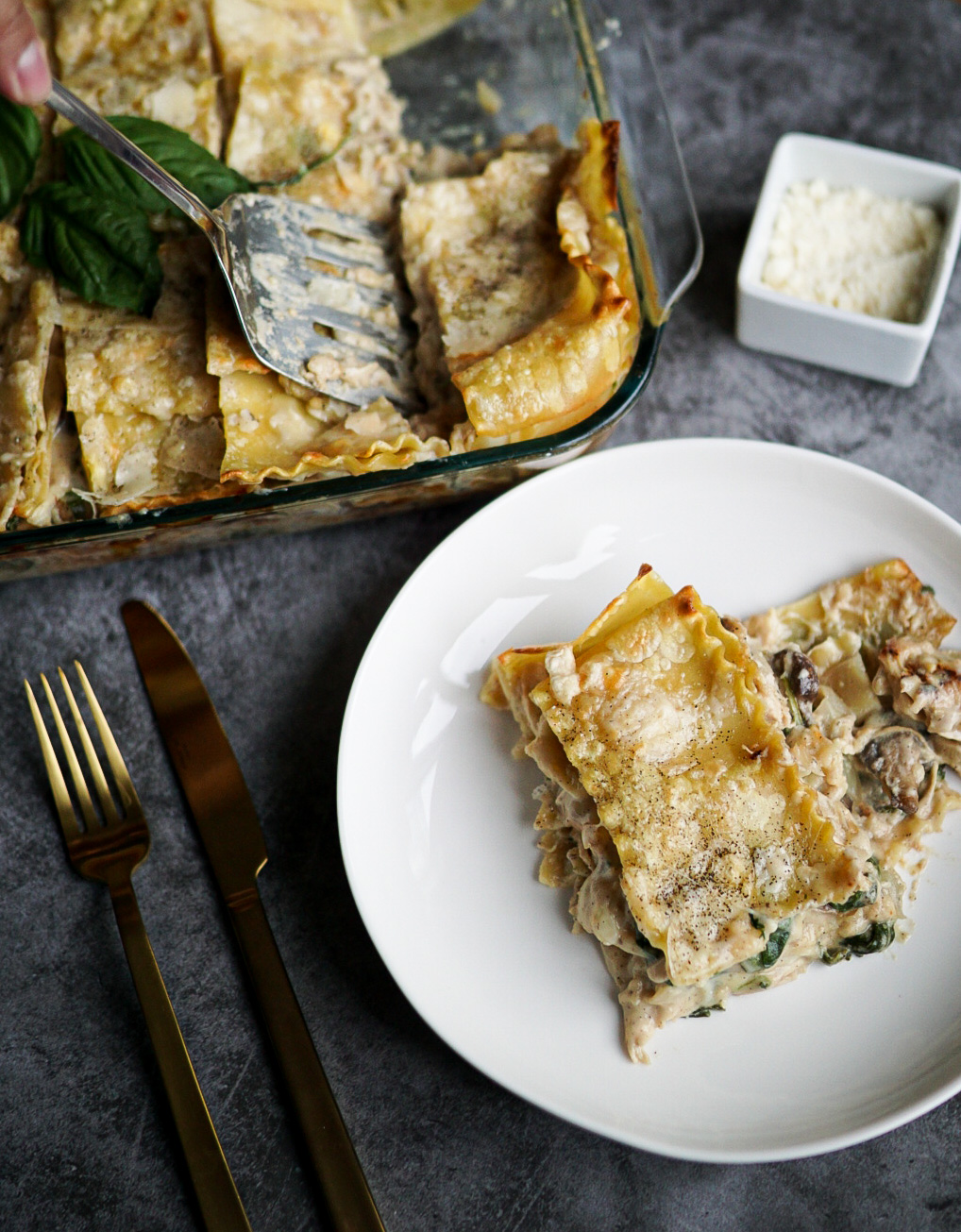Spinach and mushroom lasagna with chicken